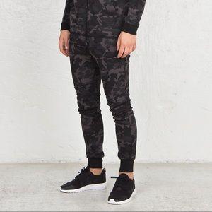 Mens Nike Tech Fleece Dark Camo Pants M